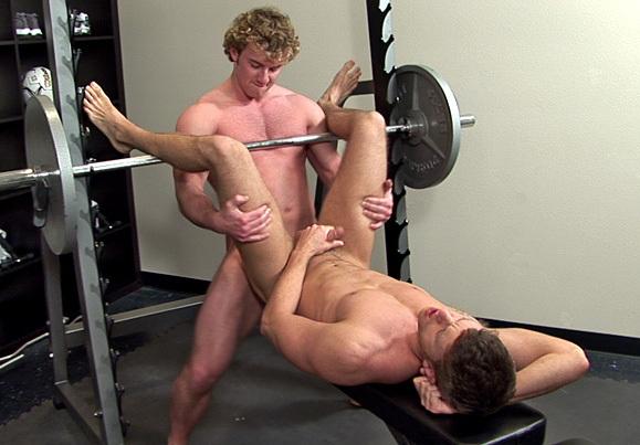 спортом геи голые занимаются